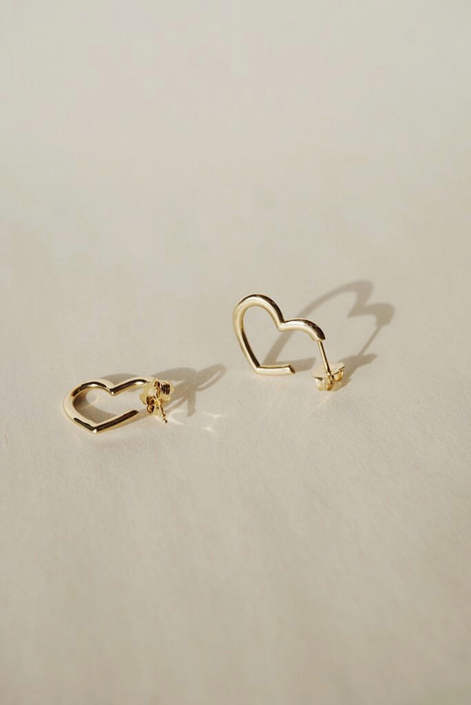 Teresa Heart Earrings - Foe & Dear