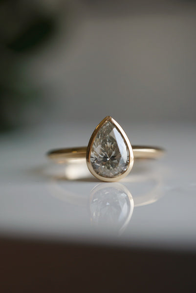 Akira Ring - 1.00ct Pear Salt and Pepper Diamond *ready-to-ship - Foe & Dear