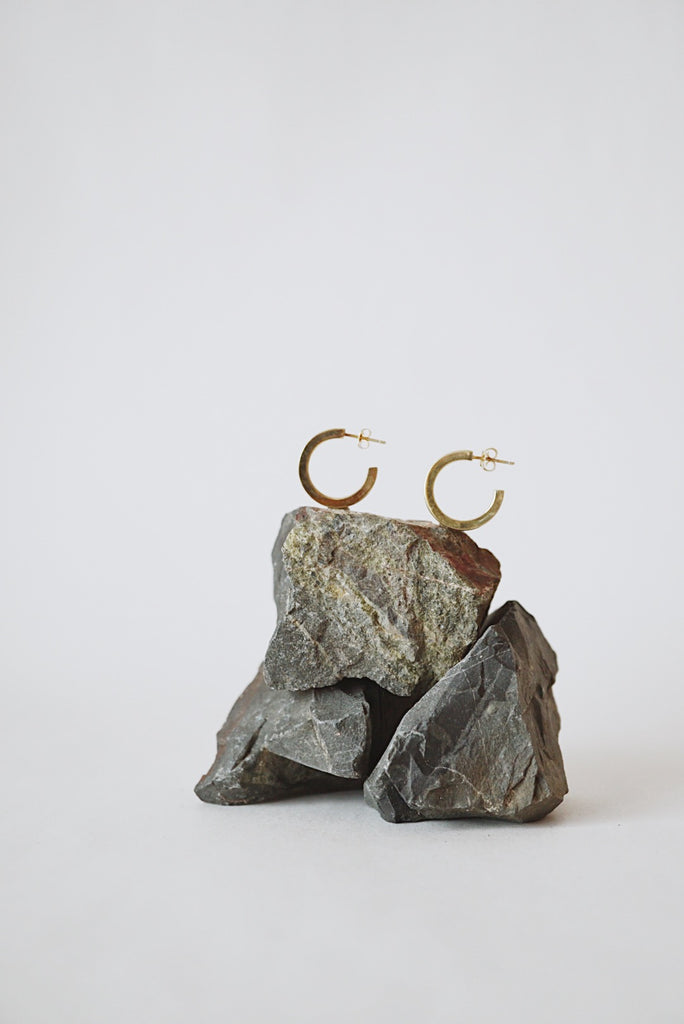 Lili Mini Hoop Earrings