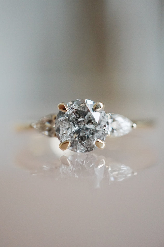Belle Ring - 1.05ct Round Salt & Pepper *ON HOLD