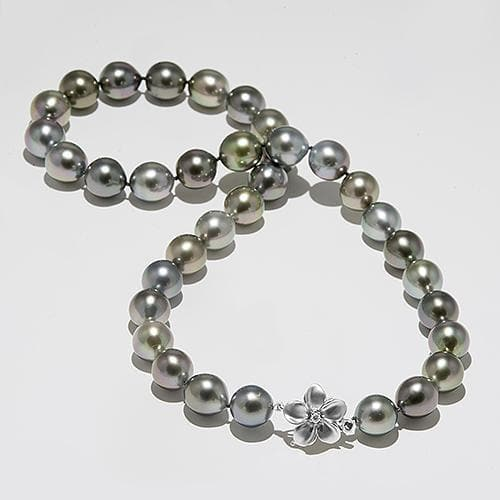 Tahitian Black Pearl Strand with Diamond in 14K White Gold (11-12mm)