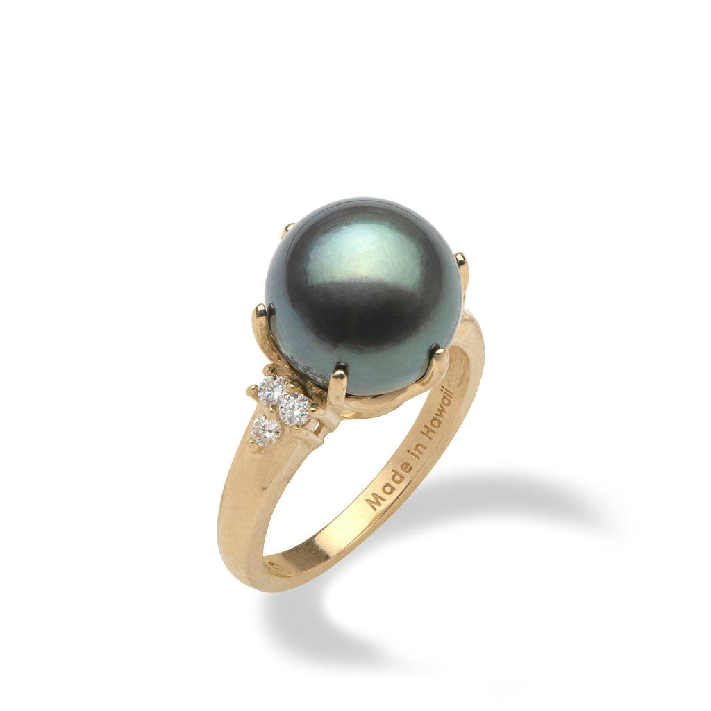 Tahitian black pearl ring in yellow gold with diamonds