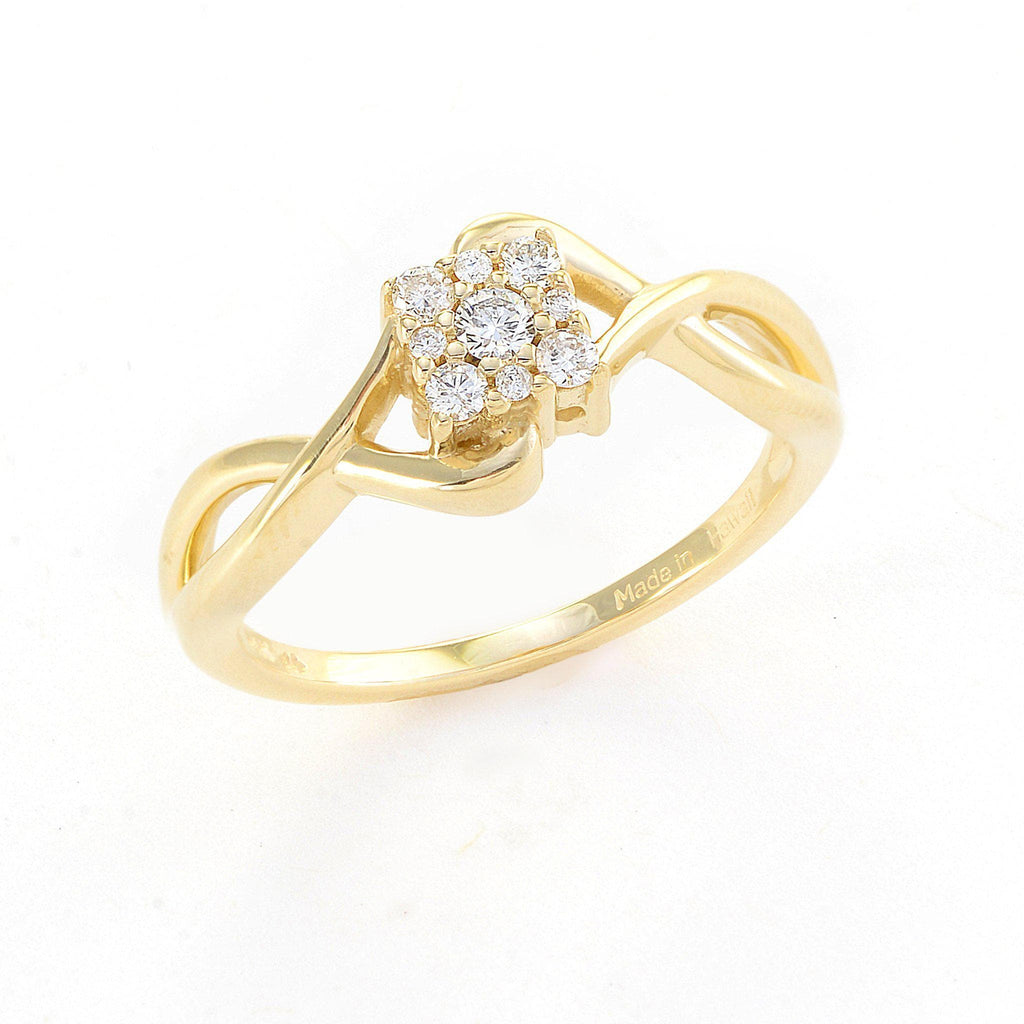 Diamond Ring in 14K Yellow Gold