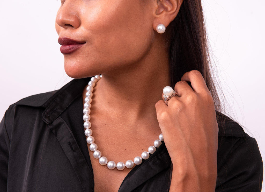 White South Sea Pearl Strand in 14K White Gold (9-11mm) on Model