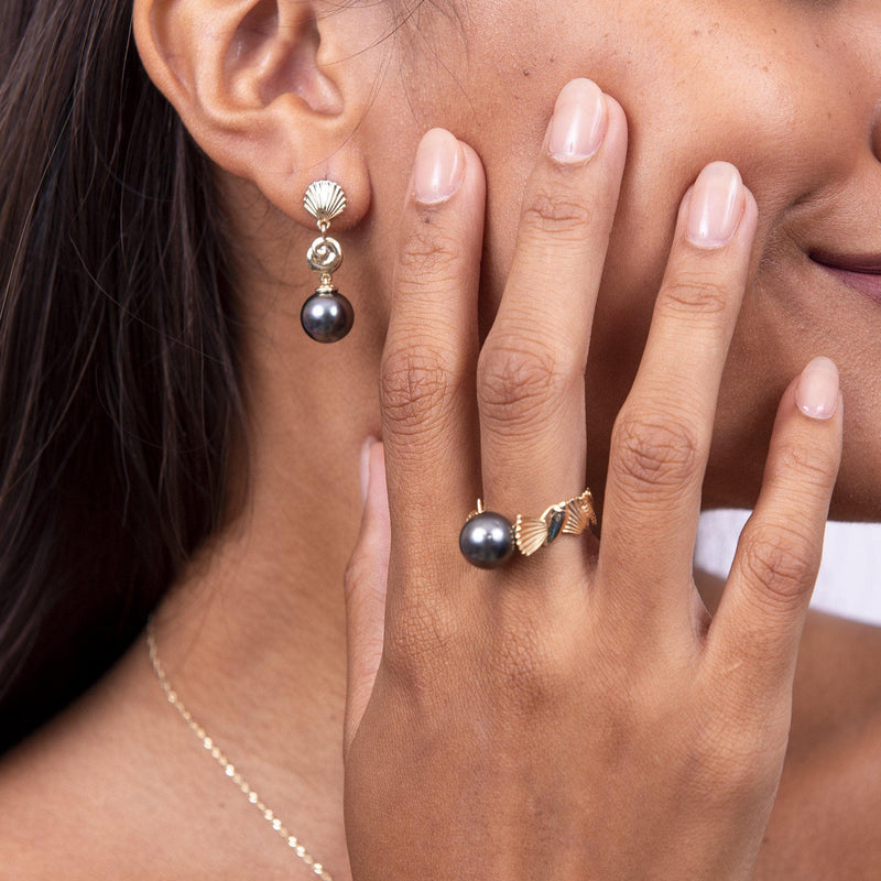 Seashells Tahitian Black Pearl Earrings in Gold with Ring - On Model
