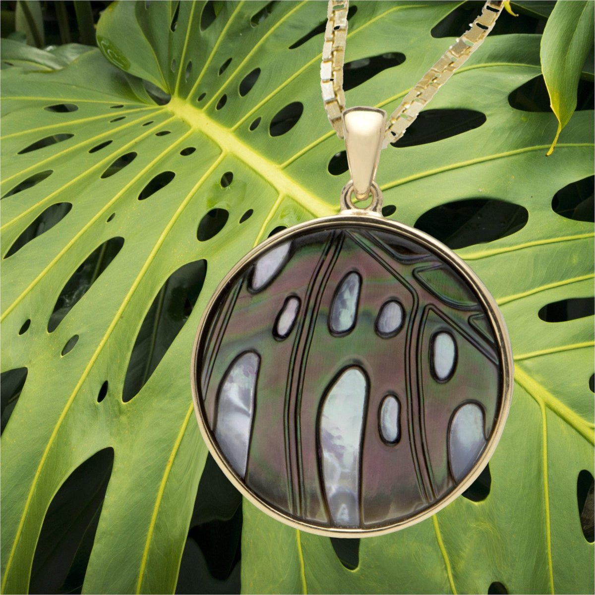 Hawaiian Moments Pendant with Mother of Pearl in 14K Yellow Gold-[SKU]
