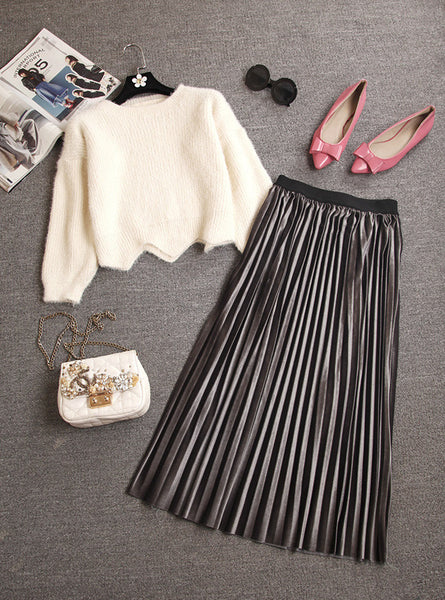 Scalloped Short Sleeved Sweater Top + Ultra Long Pleated Skirt Two Piece Set