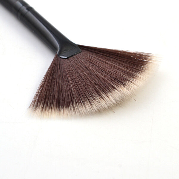 Slim Fan Brush