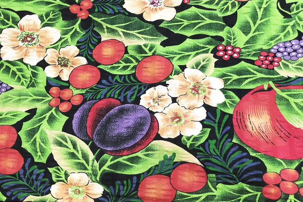 Rainbow Fabrics S1: Mixed Fruit Garden Multi Coloured