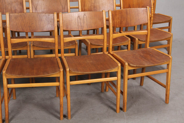 Danish dining chairs. To be restored.