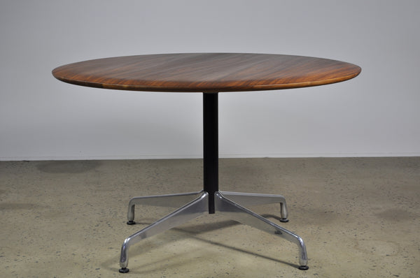 American Walnut Table 120cm - Case 22