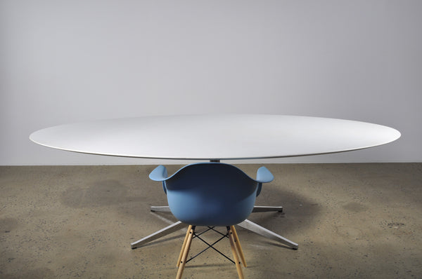 Large Oval Florence Knoll Table - Case 22