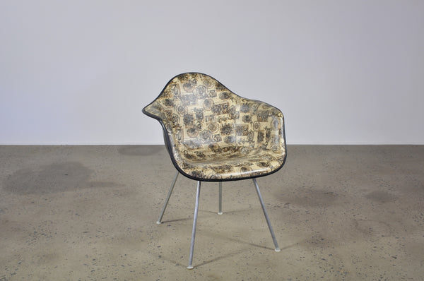 Eames printed vinyl fibreglass shell chair - Case 22