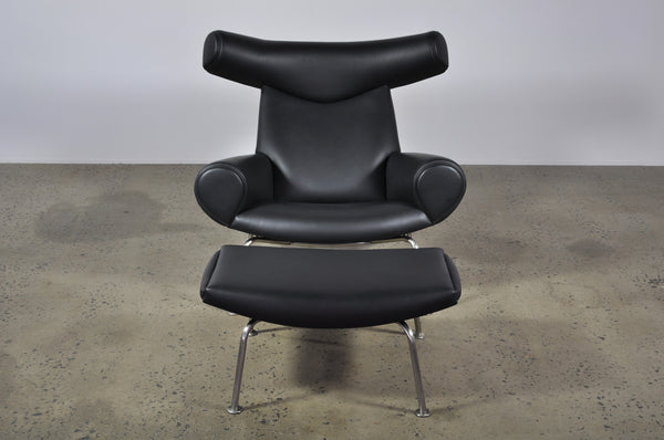 Hans Wegner Ox chair with ottoman - Case 22