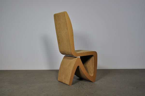 Easy Edges cardboard chair.Frank Gehry. 1972