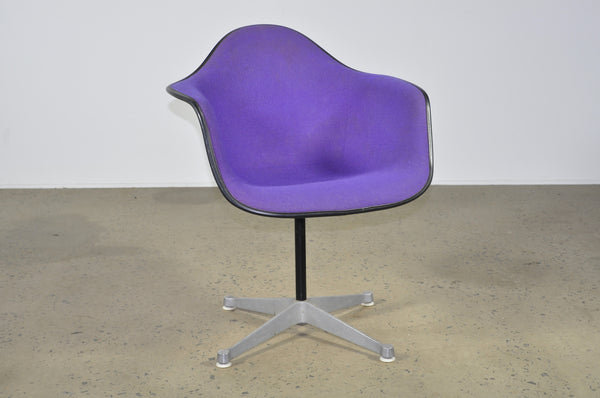 Eames set of four purple fibreglass shells on four leg base - Case 22