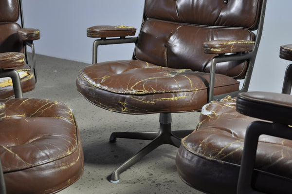 Eames Time-Life chair for Herman Miller (Under restoration)