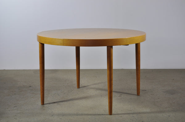 Danish 112cm Round Table in Oak