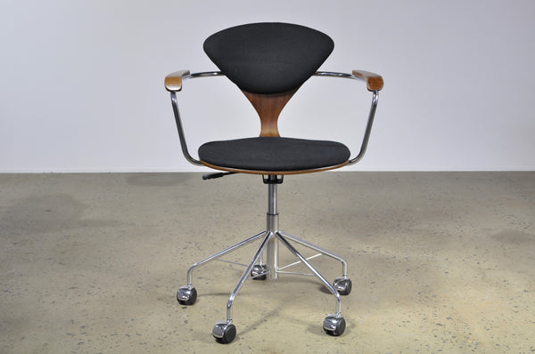 Cherner office chair - Case 22