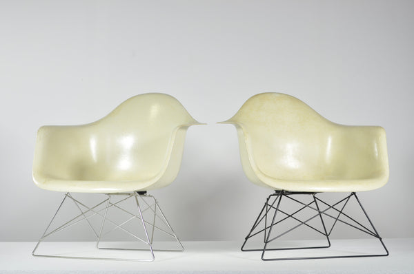 Eames fibreglass shell on cats cradle base - Case 22