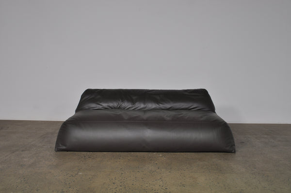 Henry Timi HTFD201 Sofa and single seat.