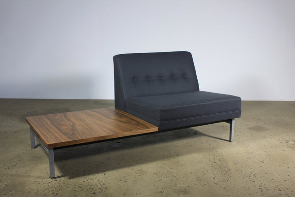 George Nelson Modular single seat sofa with attached sidetable - Case 22