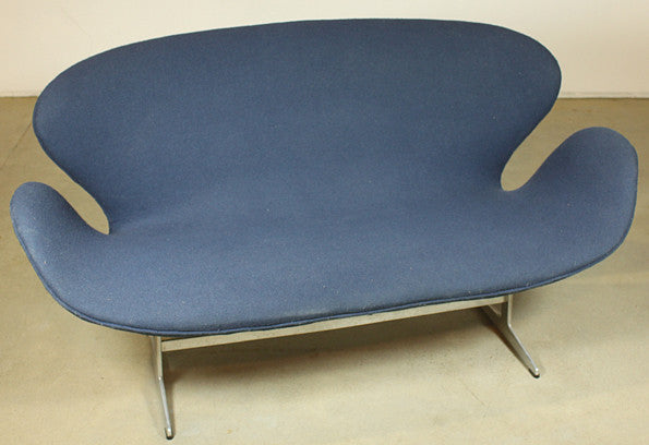 Swan Sofa by Arne Jacobsen (Restoration project) - Case 22
