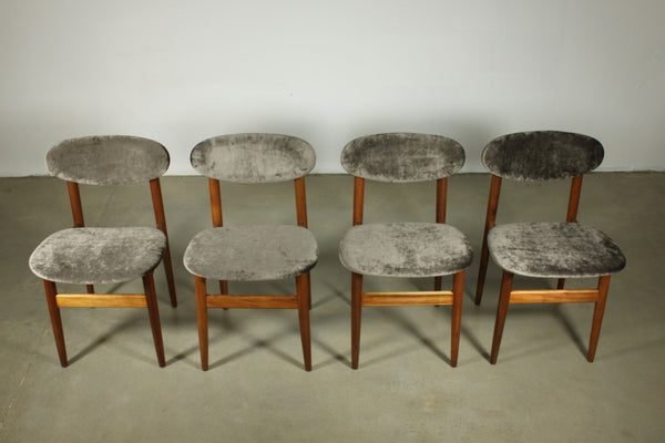 Set of 8 elite dining chairs.