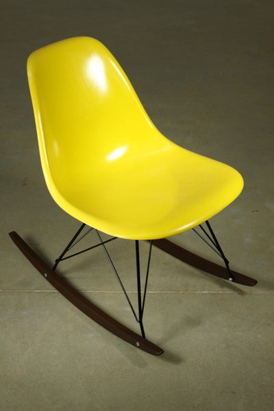 Eames Fibreglass shell yellow rocker - Case 22