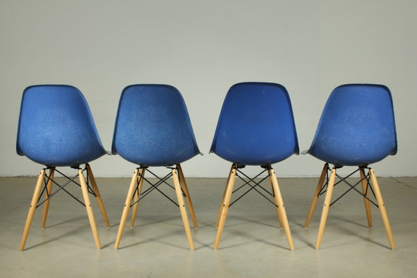 Eames Fibreglass dining chair in Blue with wooden legs - Case 22