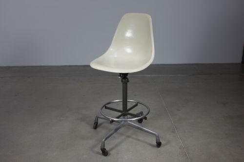 Eames Drafting Stool - Case 22