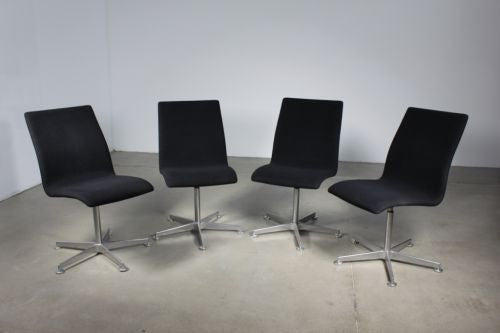 Arne Jacobsen Oxford chairs model 3171 - Case 22
