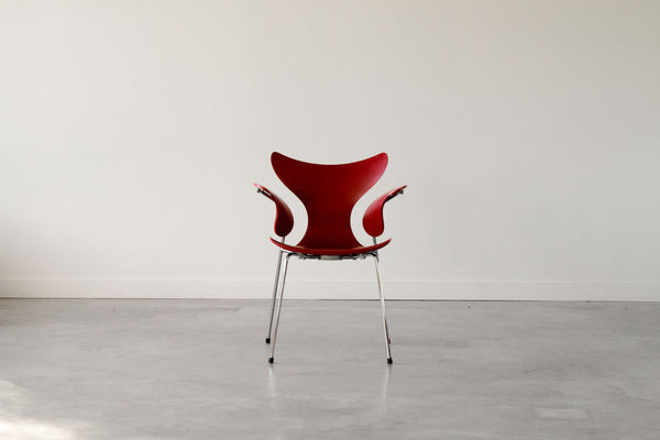"Arne Jacobsen ""seagull"" chair. In white."