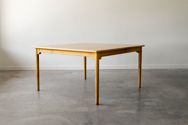 "Hans Wegner ""China"" dining table."
