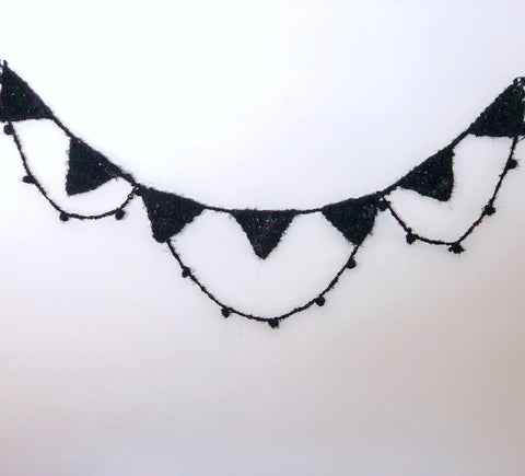 Spooky Chic Halloween Bunting with DGY Luxe Adventure Yarn
