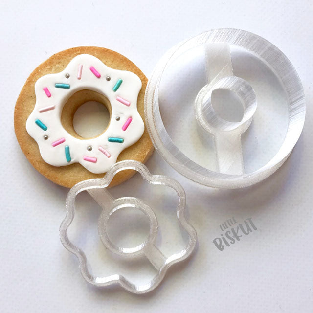 Donut cutter set