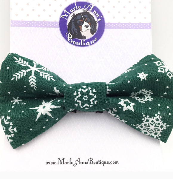 Green & White Snowflake Bow Tie