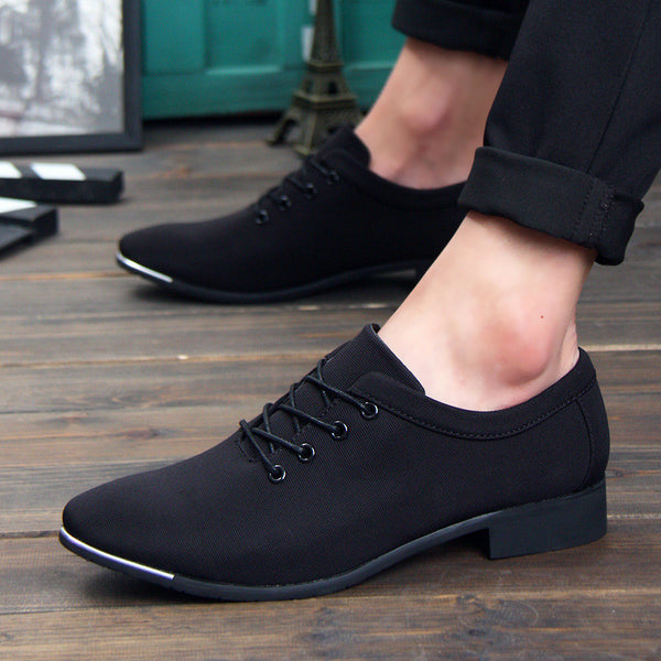 Canvas shoes avaialble in 2 colors Black/Blue