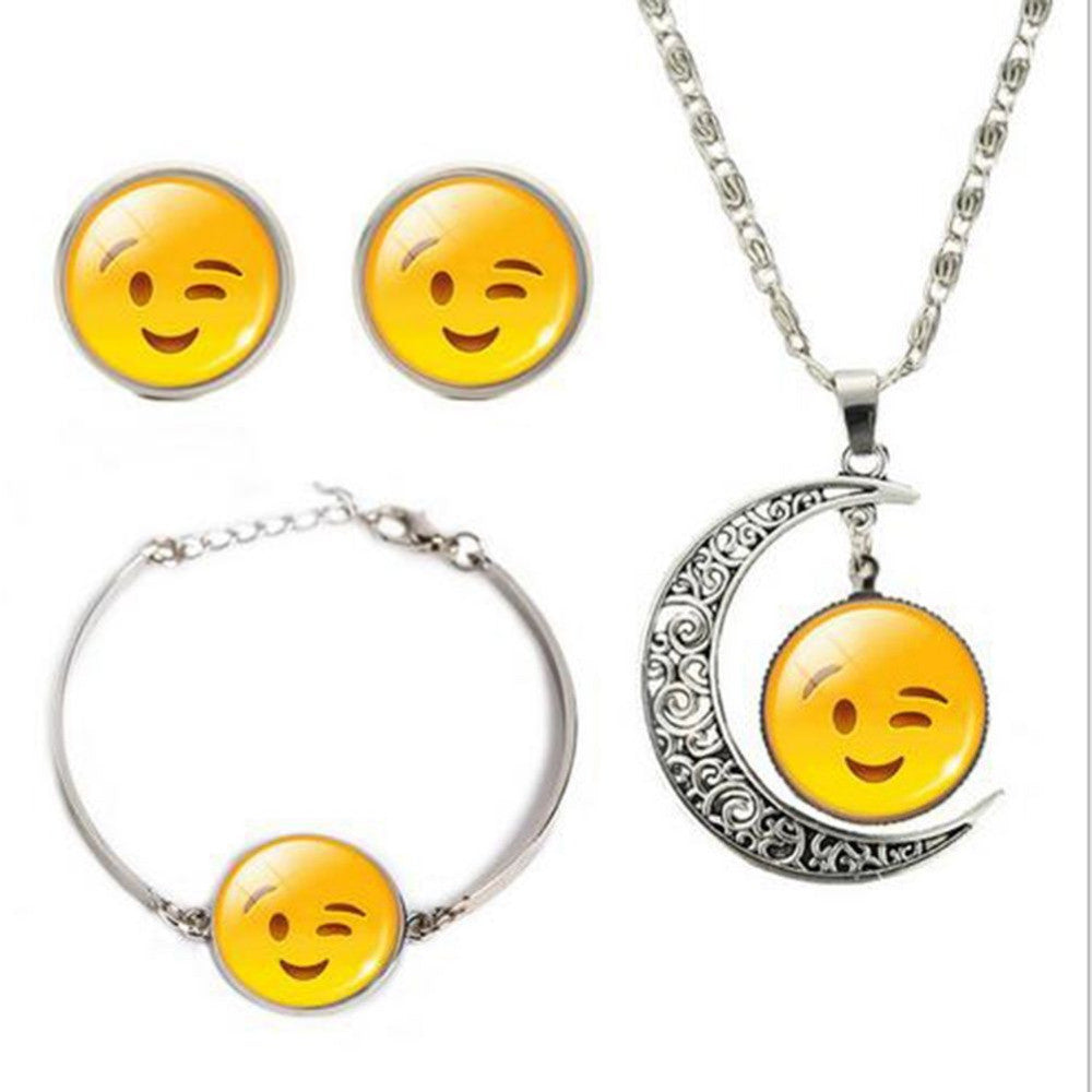 Emoji Smiley Pendant Necklace Women Jewelry Set