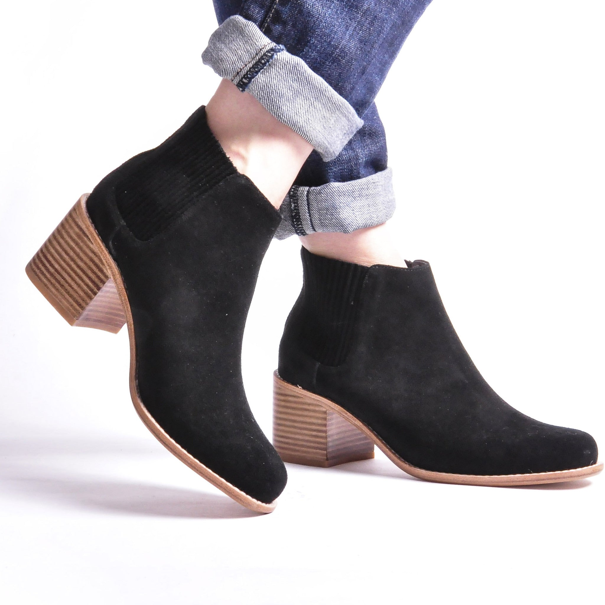 DY486-SUEDE-black-3