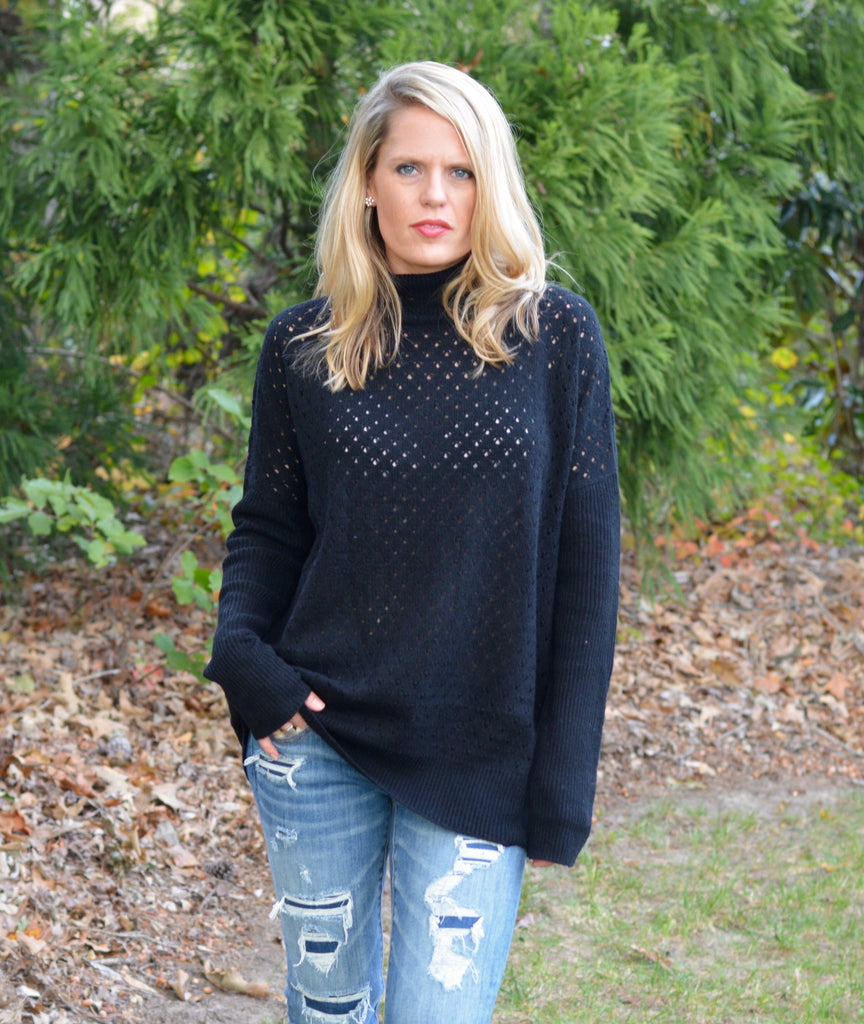 BLACK TURTLE NECK KNIT SWEATER