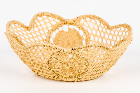 Raffia Scalloped Circle - Small