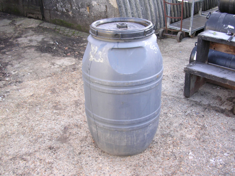 210 LTR BLACK PLASTIC DRUM