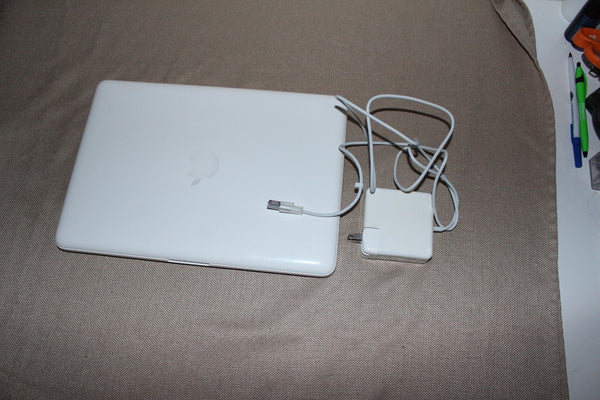 "Apple MacBook A1342 13.3"" Laptop -- 8GB Memory 1TB HDD"