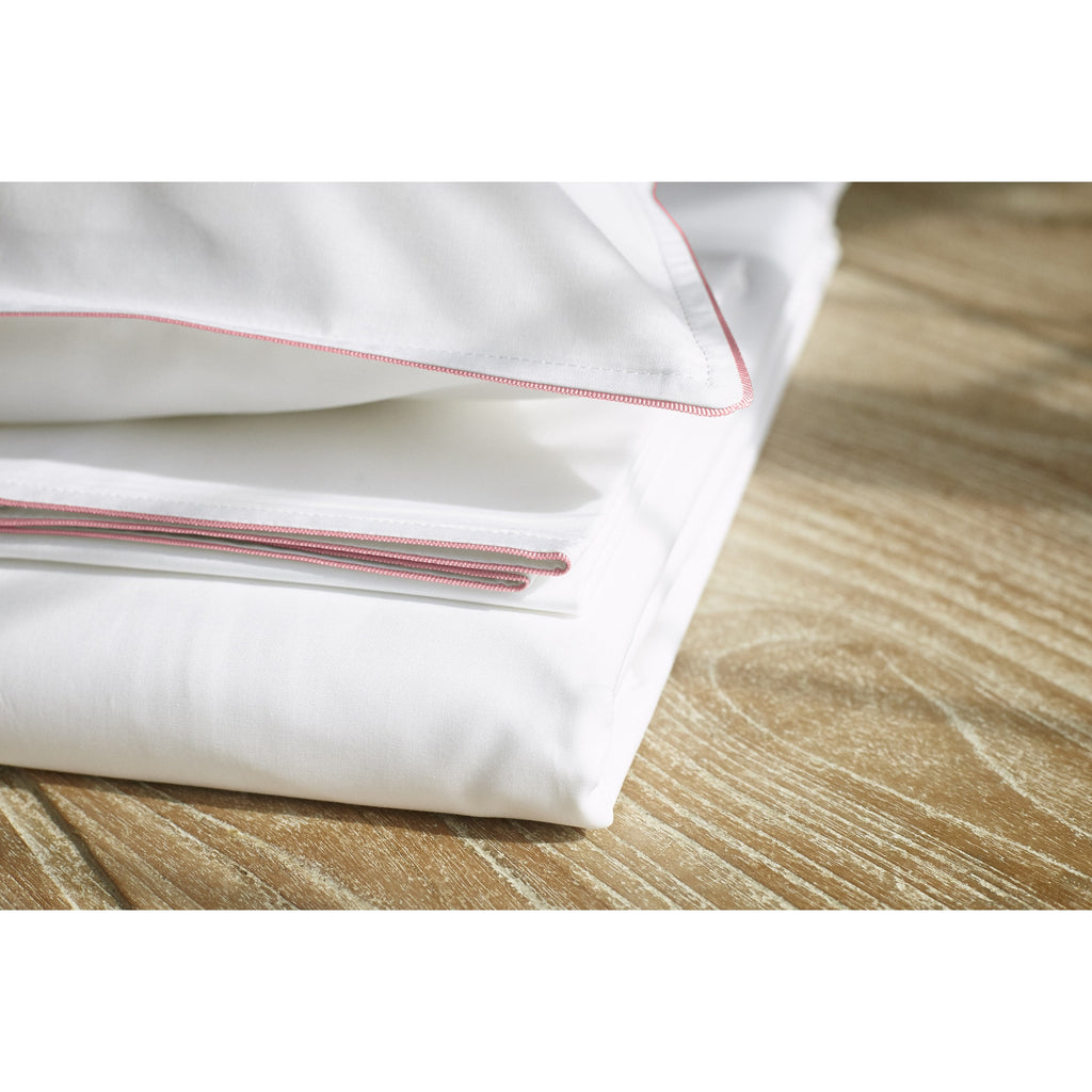 Hero Set (1x Duvet Cover, 1x Fitted Sheet, 2x Pillowcases)