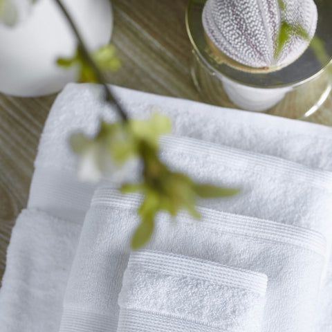 COMPLETE TOWEL  & BATH MAT SET