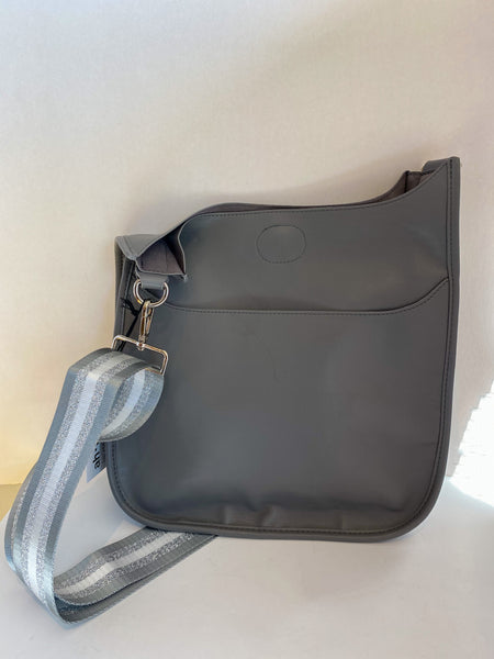 Ahdorned Large Messenger Bag