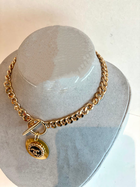side chanel button necklace gold