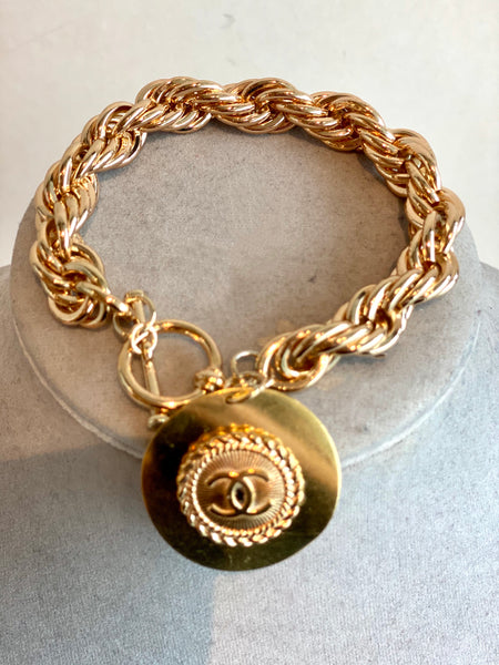 button gold chanel chain bracelet