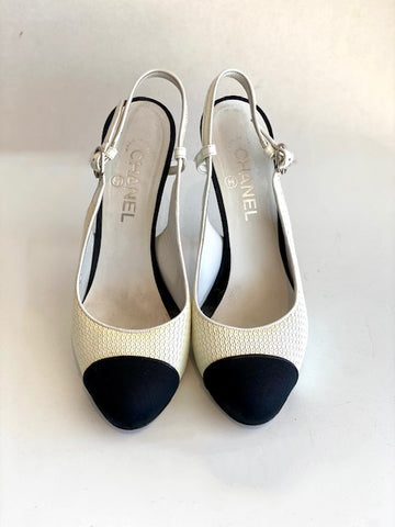Chanel Textured Closed-toe Heels